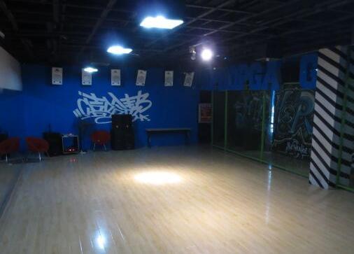 嘻哈帮街舞西安嘻哈帮街舞新城区万和城校区